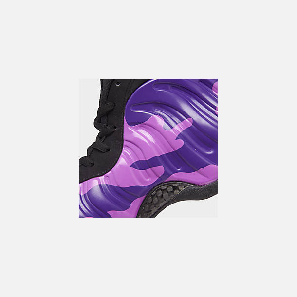 Front view of Men's Nike Air Foamposite Pro Basketball Shoes in Black/Court Purple/Hyper Violet