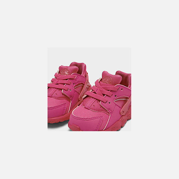Front view of Girls' Toddler Nike Huarache Run Casual Shoes in Laser Fuchsia/Laser Fuchsia Femme