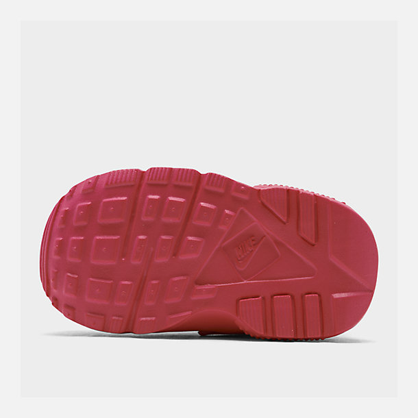 Bottom view of Girls' Toddler Nike Huarache Run Casual Shoes in Laser Fuchsia/Laser Fuchsia Femme