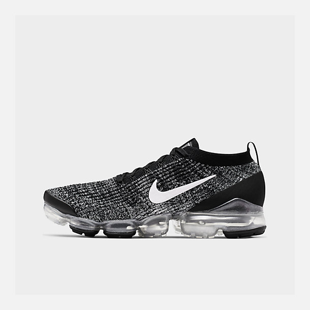 Right view of Men's Nike Air VaporMax Flyknit 3 Running Shoes in Black/White/Metallic Silver
