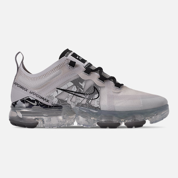 Right view of Women's Nike Air VaporMax 2019 SE Running Shoes in Vast Grey/Black/Metallic Silver